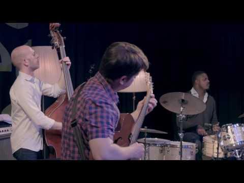 """Lage Lund Trio feat. Matt Brewer & Justin Faulkner - """"Novemberry"""" @ musig im pflegidach, Muri"""