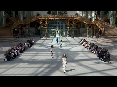 The Cruise 2019/20 Show — CHANEL