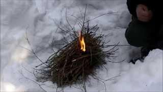Jak rozpalić szybkie ognisko w zimowych warunkach - las iglasty. Bushcraft i survival