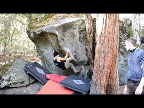 Bear Hug Mantle V4, Yosemite