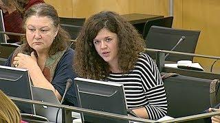 Sofía Castañón en la Comisión de Derechos de la Infancia y Adolescencia el 22 de febrero