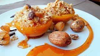 Вкусный десерт из персиков. Персики в карамели с миндальной крошкой