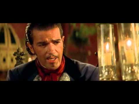 La Máscara Del Zorro En Cosmopolitan TV