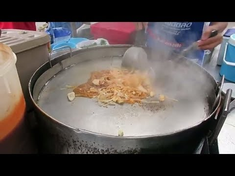 Pad Thai Noodles with Squid – Stir Fry – Thailand Street Food