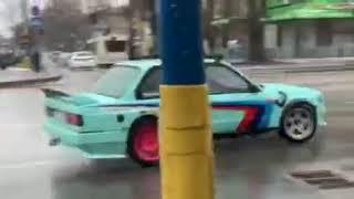 Водитель устроил дрифт в центре Запорожья