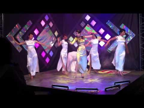 Con mua nho Minh Hang Shining Show