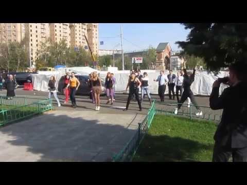 Флешмоб на свадьбе у Таганского ЗАГСа