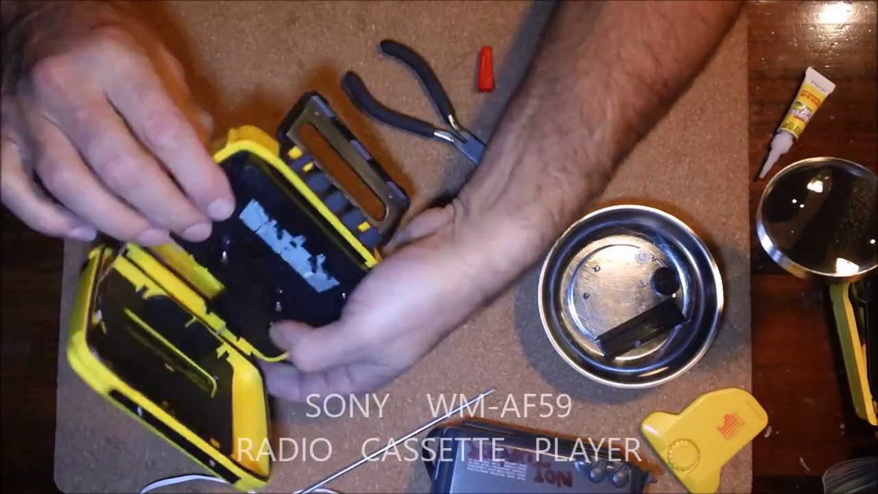 Sony Wm Af59 Sports Walkman Cassette Player Am Fm Radio