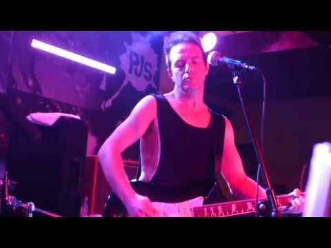 Glasvegas - The world is yours (James Allan solo acoustic)