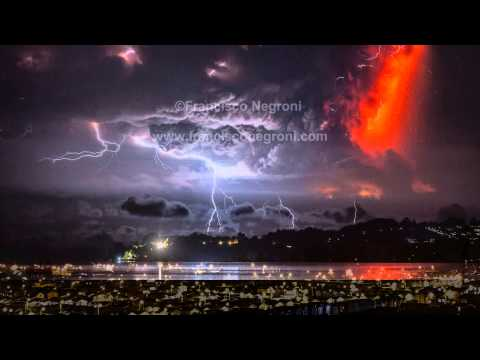 Erupcin volcn Calbuco - Chile, 22 abril 2015.