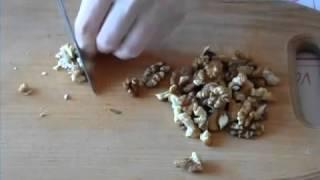 Рецепт очень вкусного салата с грецкими орехами