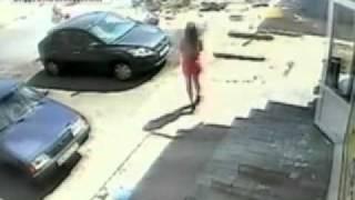 Взрыв баллона с углекислым газом(В г. Саратове, поселке солнечный на остановке Бардина, взорвался баллон с углекислым газом на несанкционир..., 2010-08-23T19:10:00.000Z)