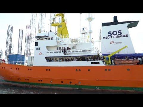 Aquarius ship arrives in Malta after migrant-sharing deal