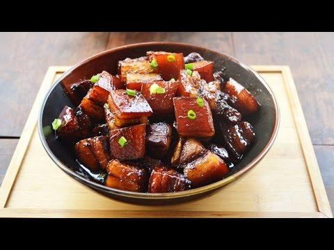 How to Make Chinese Braised Pork Belly in A Clay Pot