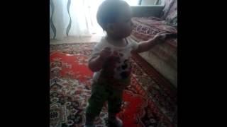 Жанёчик танцует!!!