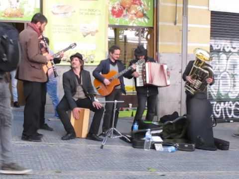 MUSICOS CALLEJEROS      Madrid 1 de Mayo 2016