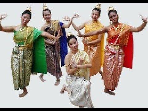 Thai Traditional Dances at Surabaya Cross Culture Festival 2017