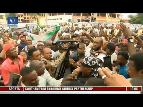 Political Round-Up: Buhari Protests Get Dirty