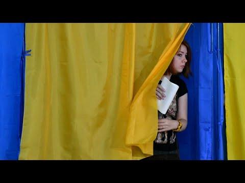 الأوكرانيون يصوتون في انتخابات تشريعية و-خادم الشعب- الأوفر حظا للفوز بها  - نشر قبل 3 ساعة