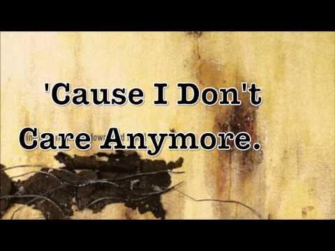 Nine Inch Nails Lyric Video - Piggy mp3