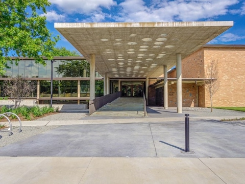 Modern Luxury Define this New Construction, Talley Dunn Gallery, Temple Emanu-El