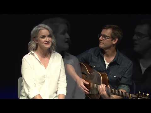 Little Village Sessions: Twilight on the Trail with Jen Mize and Mark Sholtez Mp3