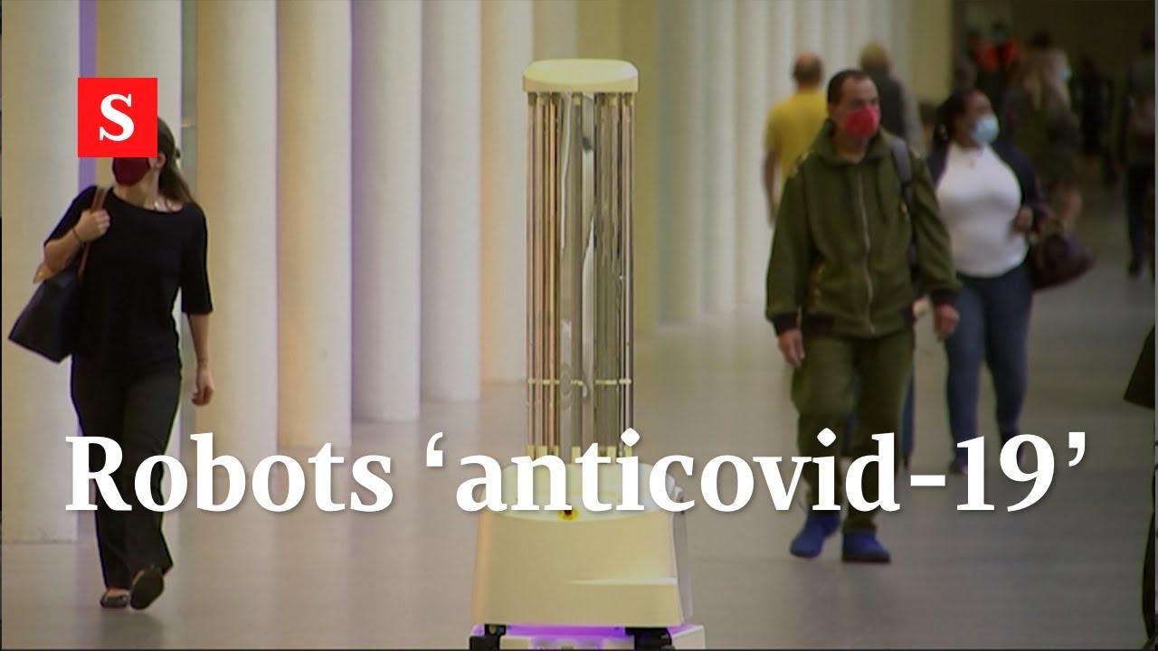 Robots usan luz ultravioleta para atacar el coronavirus en una estación del tren en Londres | Videos
