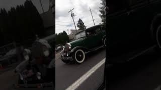 старая машина на ходу