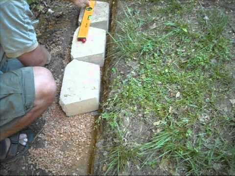 Building Concrete Block Retention Wall