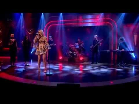 Pixie Lott - Lay Me Down (Live @ The Paul O'Grady Show)
