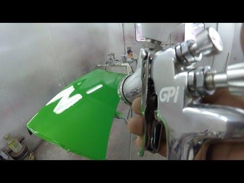 How to Spray Acrylic Paint