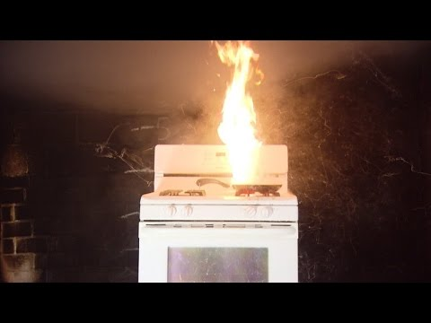 Why You Definitely Don't Want To Use Water To Extinguish A Grease Fire