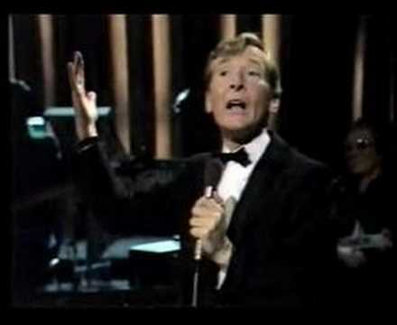 Kenneth Williams Sings 'Ma Crepe Suzette' Live