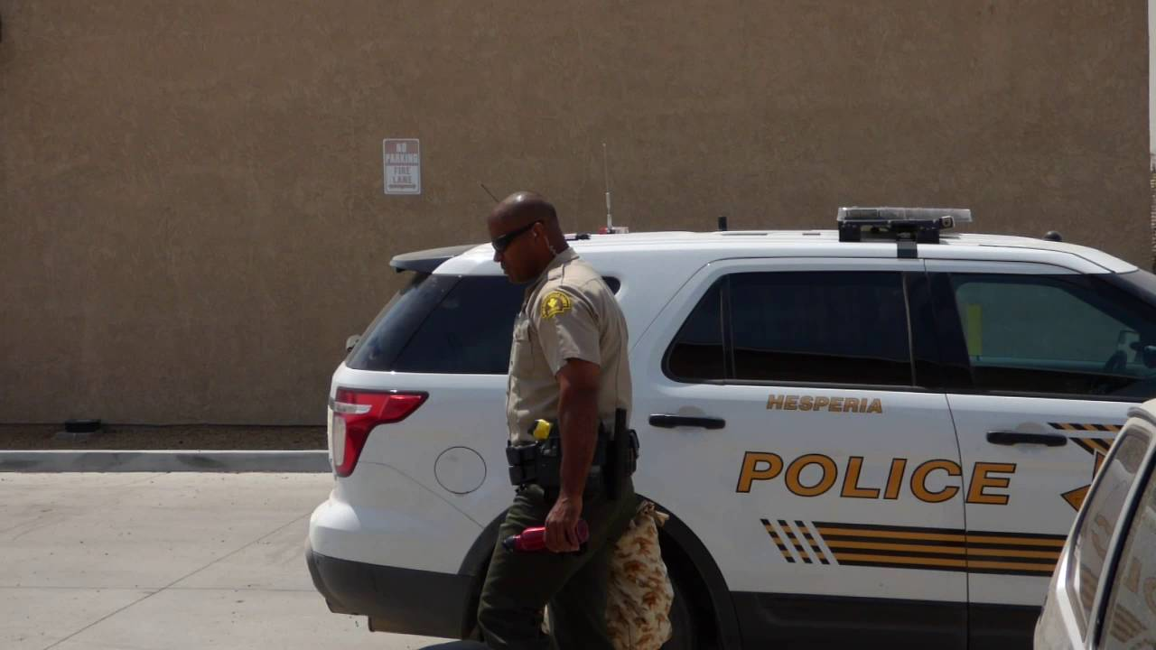 TYRANT DEPUTY JONES HESPERIA PD HANDCUFFS  & DETAINS ME, HE COULDNT WAIT TO  PUT HANDS ON ME