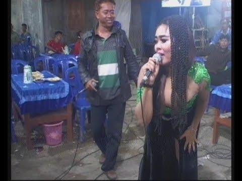 Download Lungset - Goyang Pantat Mel Mel - Campursari Dangdut Nada Adelia live Kajok Plupuh