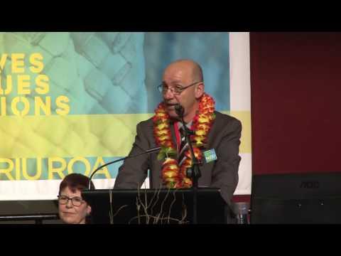 Rikki Sheterline, NZEI Te Riu Roa Vice President 2017-18, addresses conference