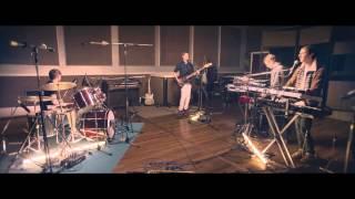 Django Django - Pause Repeat (Live at RAK studios)