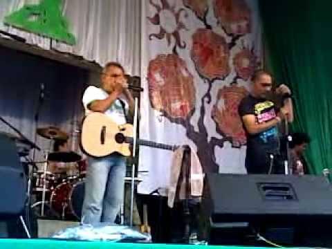 Kasih jangan kau pergi-Bunga band feat. Iwan fals