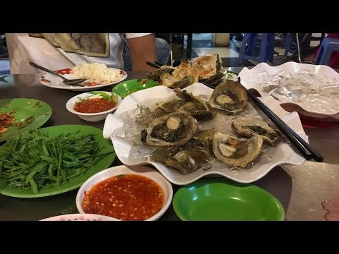 How to eat fresh Oysters | Thai Oysters , Street Food in my village