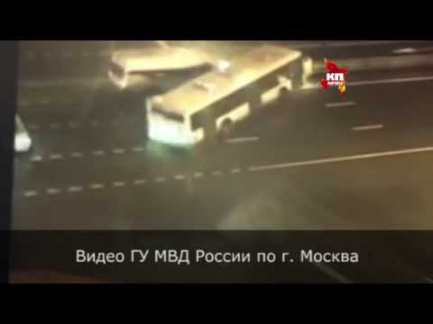 На юго-востоке Москвы рейсовый автобус столкнулся с маршруткой