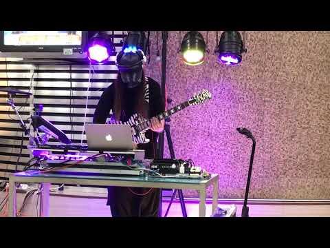 171103 DJ J.C plays tokaiguitar with line6g10 in Fengjia night market#2