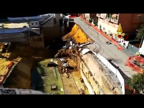 MASSIVE sinkhole opens up in Rome swallowing six cars, see it