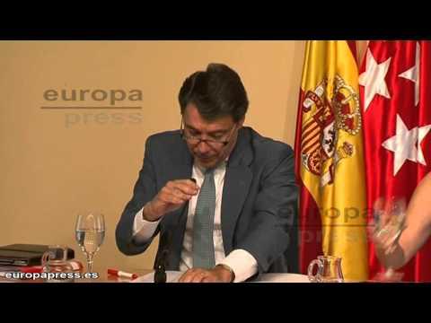 Aguirre defiende a concejala socialista de Los Yébenes