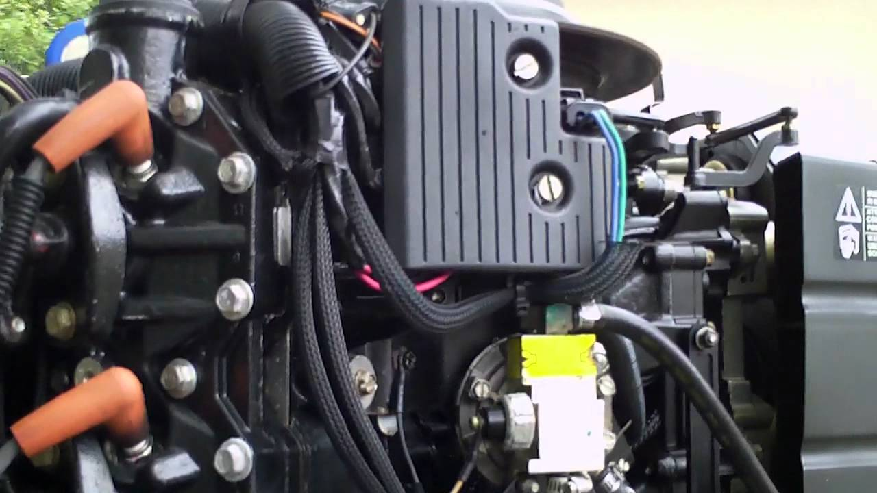 225 Evinrude Ficht Injection Outboard Idling  YouTube