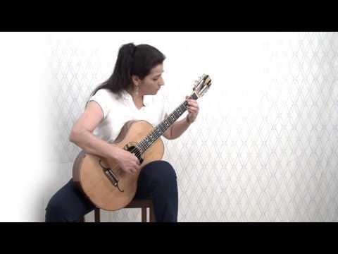Romantic Guitar Eugenia Karamitrou plays J.S.Bach - Bourrée in E min