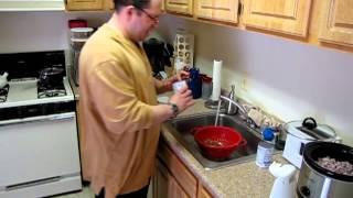 Schumin Web Video Journal: Making vegetarian chili