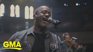 Darius Rucker performs 'Wagon Wheel' l GMA