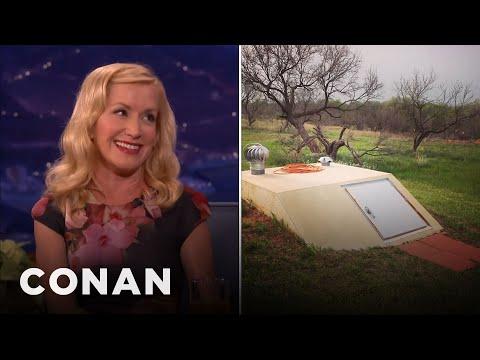 """Angela Kinsey On Her Mom's """"Fraidy Hole""""   CONAN on TBS"""