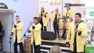 Video Chiński Bayer Full - królowie polskiego discopolo śpiewają po chińsku! download MP3, 3GP, MP4, WEBM, AVI, FLV Juni 2018