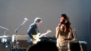 PJ Harvey & John Parish -  Pig Will Not